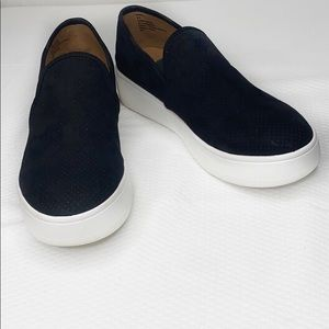Stave Madden Gracy Black Slip-On Sneakers 6.5